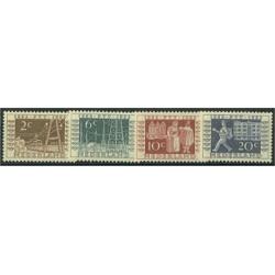 Nederländerna 597-600 *